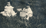 Kinder auf der Wiese