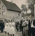 Feierlichkeit im Dorf