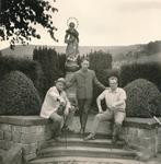 Drei Männer und die Madonna