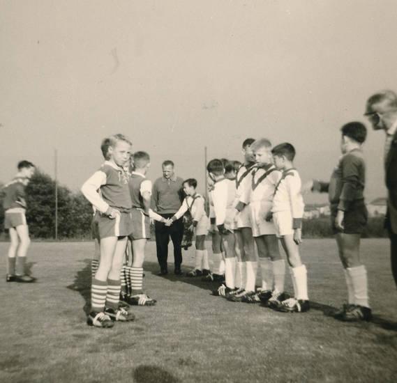fußball, Fußballspiel, Kapitän, Kindheit, mannschaft, Schiedsrichter, sport