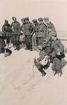 Soldaten in den Dünen