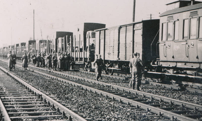 2.Weltkrieg, fahrzeug, KFZ, PKW, Schienen, soldat, verladen, zug