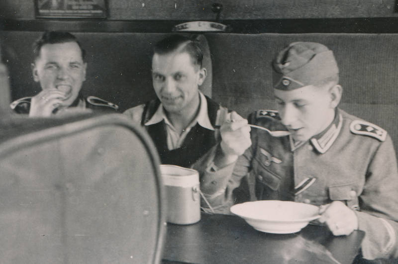 2.Weltkrieg, essen, Löffel, soldat, teller, Uniform, Wehrmacht, zug, zweiter weltkrieg