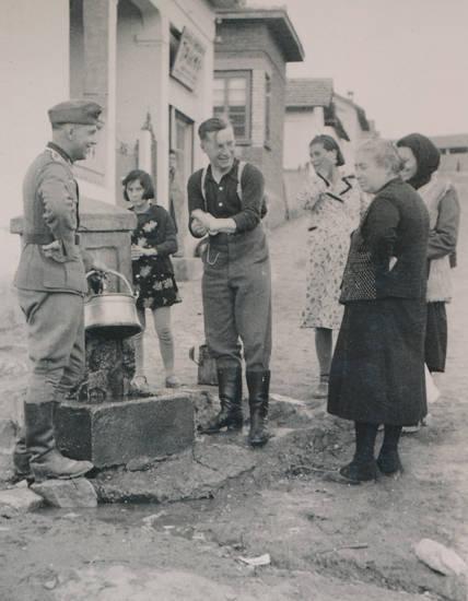 2.Weltkrieg, Brunnen, Bulgarien, soldat, topf, Uniform, Wehrmacht, zweiter weltkrieg