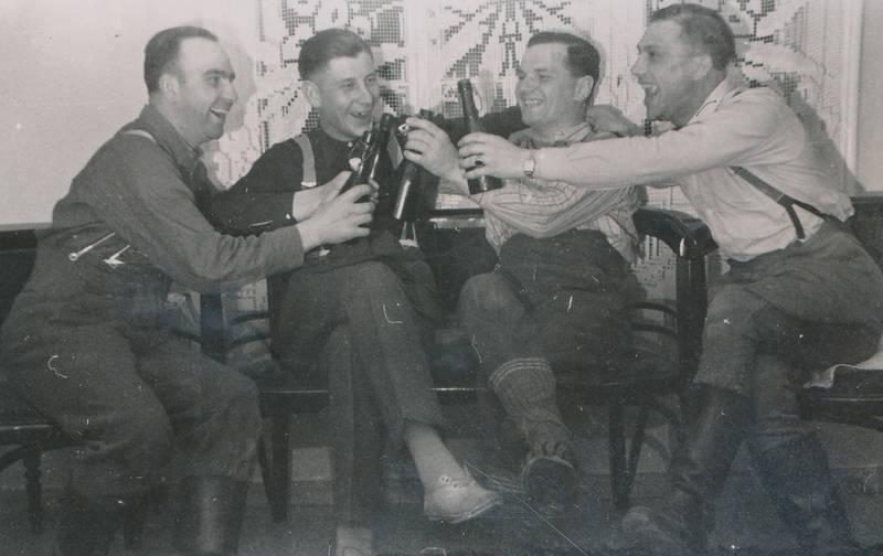 alkohol, anstoßen, Bier, Gardine, soldat, trinken