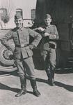 Soldaten am Planwagen