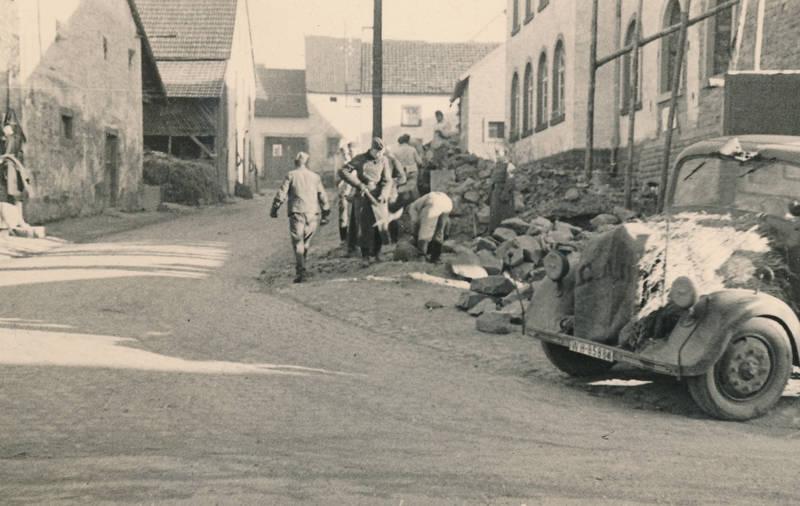 2.Weltkrieg, Attendorn, auto, bahnhof, KFZ, PKW, soldat, trümmer, Wehrmacht