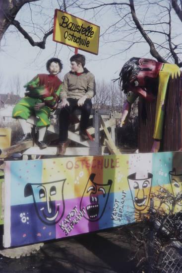 festwagen, karneval, Karnevalszug, kritik, Ostschule