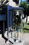 In französischer Telefonzelle