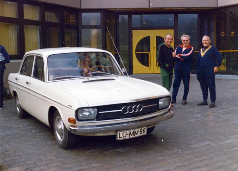 Audi, audi-60, auto, Eingang, F103, jogginganzug, KFZ, PKW