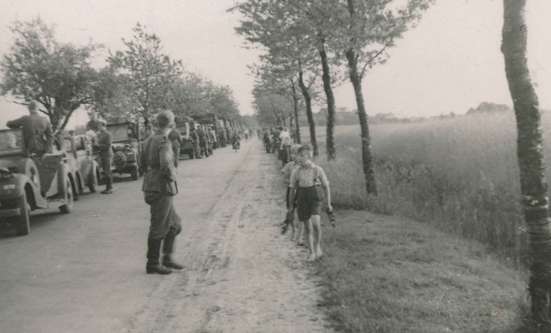 2.Weltkrieg, auto, KFZ, Kindheit, PKW, soldat, Uniform, Verlassen, Wehrmacht
