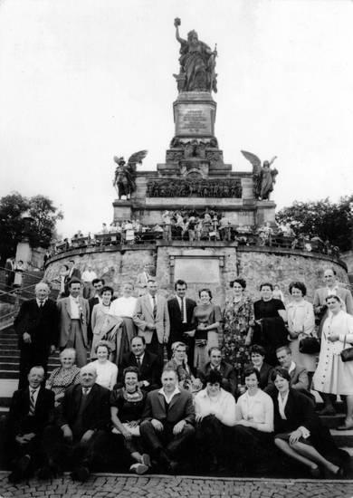 gruppenfoto, mantel, mode, Niederwald, niederwalddenkmal, statue