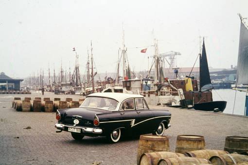 Ford Taunus am Hafen