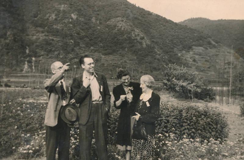 1950er, Blumenbeet, mode, nutzgarten, Paar, Rheinaue, Trechtingshausen
