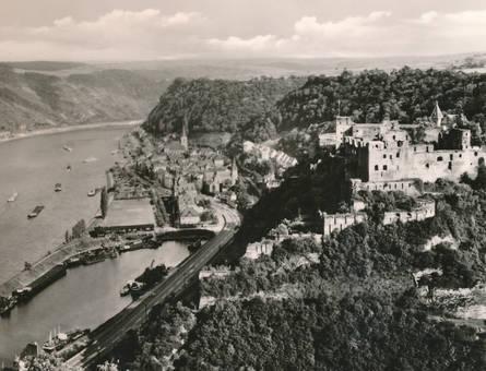 Burg über der Stadt