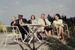 Zu Tisch im Freien