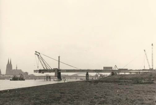 Bau der Severinsbrücke