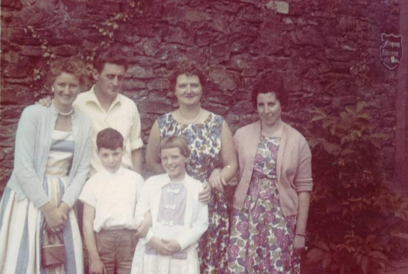 Burg Rheinstein, familie, Kindheit, kleid, mode, Tasche