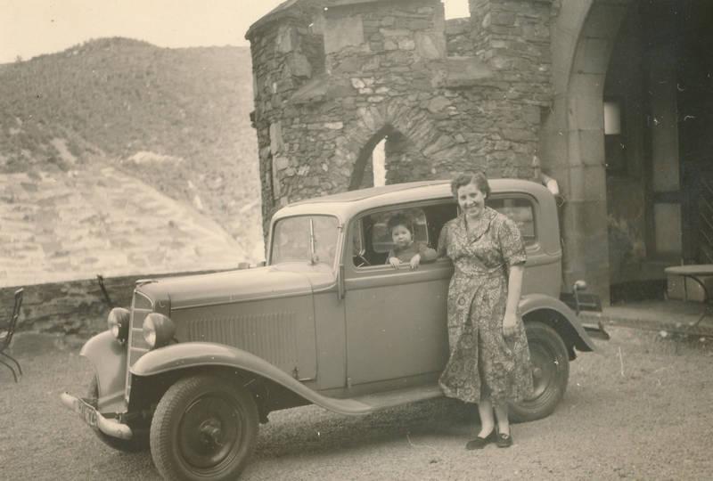 auto, Burg Reichenstein, KFZ, Kindheit, limousine, mode, Opel, Opel-P4, PKW