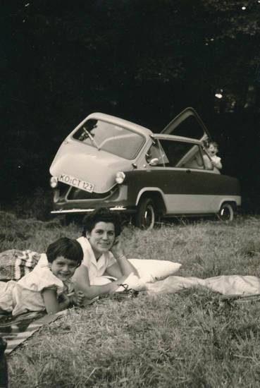 ausflug, auto, familie, KFZ, Kindheit, picknickdecke, PKW, Rollermobil, zündapp, Zündapp-Janus