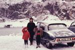 Am verschneiten Auto