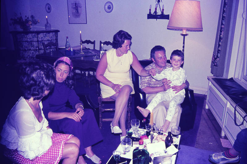 alkohol, feier, freunde, getränk, Glas, Kerze, Kindheit, lampe, Schlafanzug, tisch