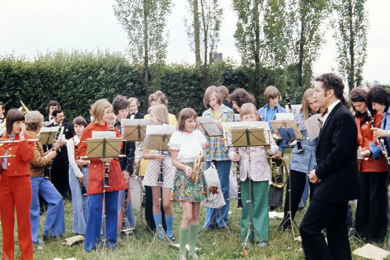 anzug, Bläser, blasinstrument, Blasmusik, horn, Kindheit, klarinette, notenständer, Orchester