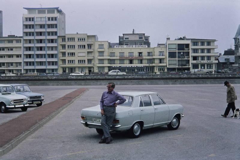 auto, Hotel cote d'opale, KFZ, Opel, Parkplatz, PKW