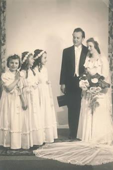 Brautpaar und Blumenmädchen