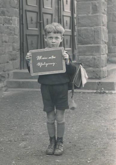 Einschulung, Erster Schultag, I-Dötzchen, Kindheit, kolpinghaus, Rucksack, Schulkind, Schultasche, tafel