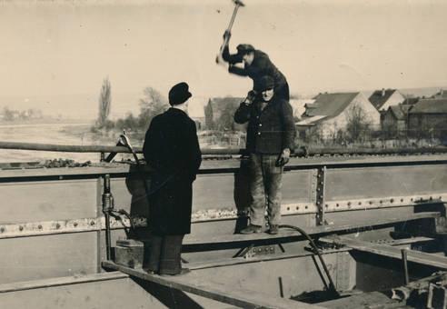 Arbeiten an der Weserbrücke