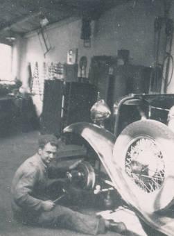 Arbeit eines Mechanikers