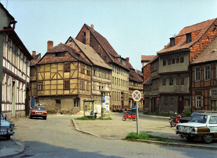 auto, fachwerkhäuser, halberstadt, Parkplatz, Telefonzelle