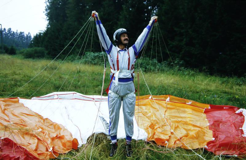 anzug, fallschirm, Fallschirmsprung, Fillschirmspringer, freizeit, Freizeitsport