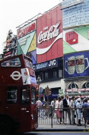 bus, canon, coca cola, doppeldeckerbus, england, Fuji, Leuchtreklame, london, Piccadilly Circus, Reklame, skol, urlaub, Urlaubsreise, werbung