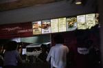 Einen Cheeseburger bitte!