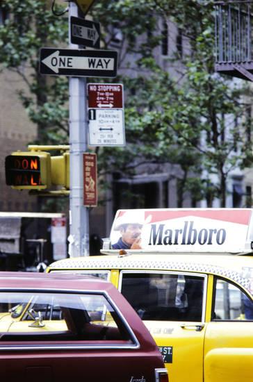 auto, marlboro, new york, New York City, One Way, PKW, Reklame, taxi, werbung, zigarettenmarke