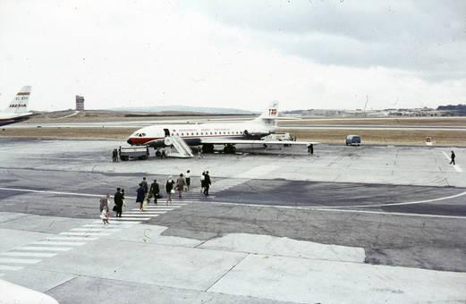 Einstieg in das Flugzeug