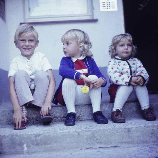 Jo-Jo, Kindheit, Strumpfhose, Treppe, Yo-Yo