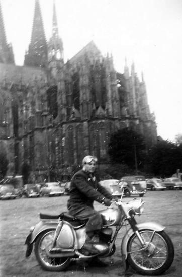 auto, KFZ, köln, Kölner Dom, Motorrad, PKW