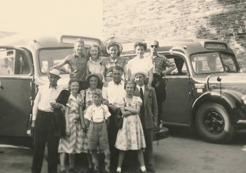 ausflug, Bernkastel-Kues, bus, familie, freunde, KFZ, kraftpostbus, Reisebus, sonnenbrille