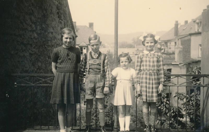 Kindheit, kleid, kleinkind, lederhose, mode, Schleife