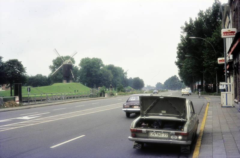 audi-60, auto, baum, ford-capri, KFZ, kofferraum, Leopold, Mühle, Nebelschlussleuchte, PKW, straße