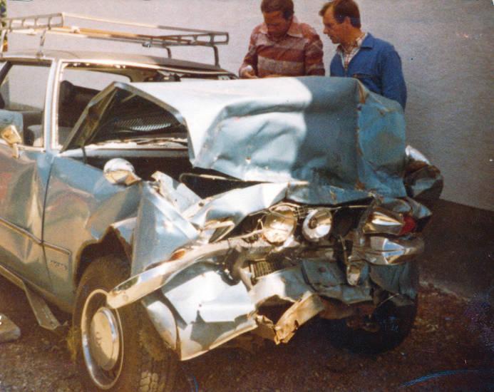 auto, autounfall, Dachgepäckträger, hargesheim, KFZ, Opel, PKW, rekord-d, totalschaden, unfall, vinyldach, Windesheim, Zusatzscheinwerfer