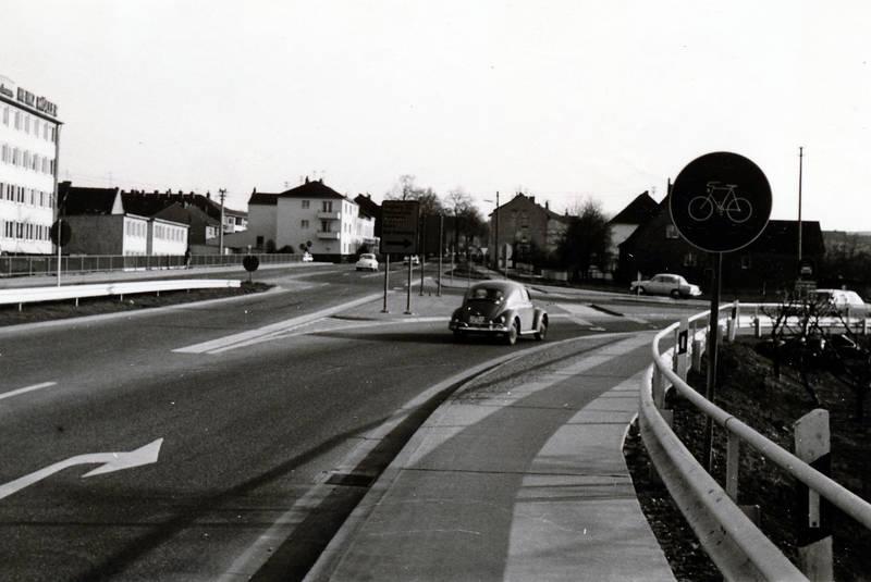 abbiegen, auto, Fahrradweg, KFZ, PKW, straße, VW Käfer