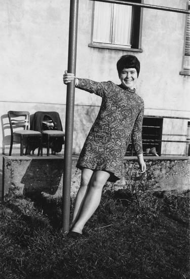 1965, bonn, Bonn/Lengsdorf, frisur, garten, kleid, Köbes, kurzhaarfrisur, mode, Pfahl, Stange, teppichstangen