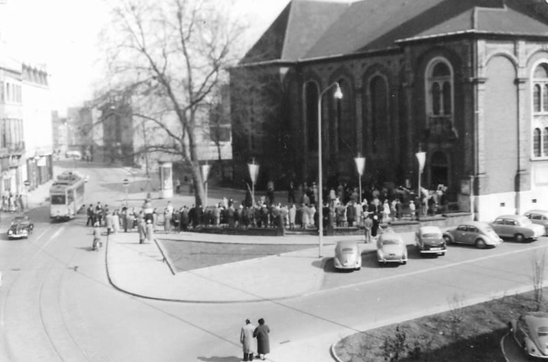 Aachen, Kommunion, Parkplatz, Pfarrkirche St. Peter