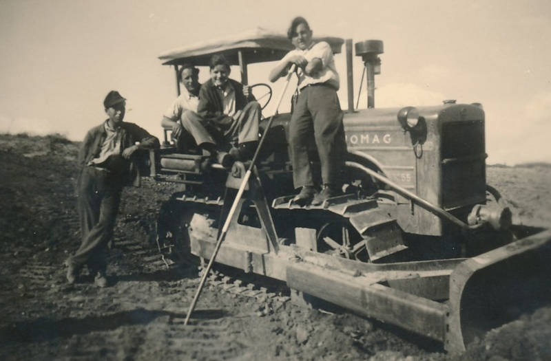 arbeit, Feldarbeit, Hanomag, Landwirtschaft, pflug, raupe