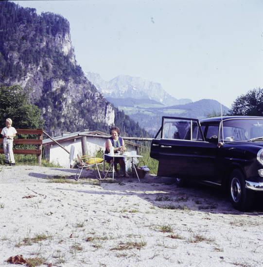 auto, Autotür, bayern, berchtesgaden, Haar, KFZ, mercedes-heckflosse, oberbayern, pause, PKW, Rast, Stuhl, tisch
