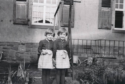Zwillinge im Garten